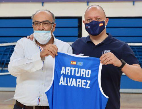 Arturo Álvarez presentado oficialmente como técnico del Melilla Sport Capital